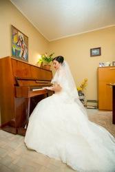 Подарю пианино Отрада. Самовывоз.