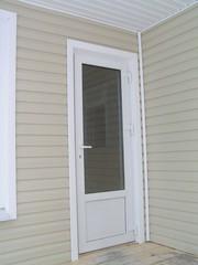 Двери металлопластиковые.